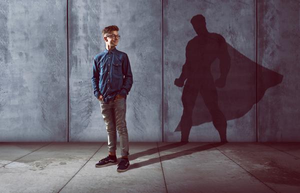 Ado ombre Superman - Accompagnement Enfants Ados
